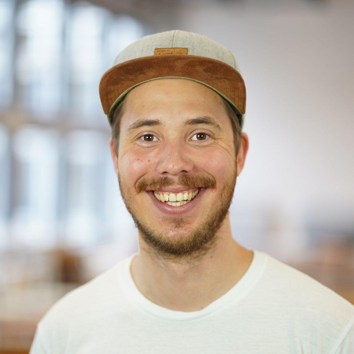 Valentin Rößler teilt uns seine Erfahrungen als Tech-Recruiter ohne Informatik-Studium und wie er von den Workshops von COOK and CODE profitiert hat:
